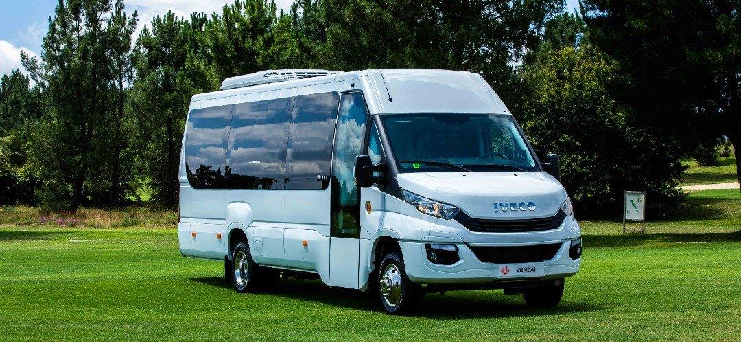 Mini Bus Iveco UNVI 9
